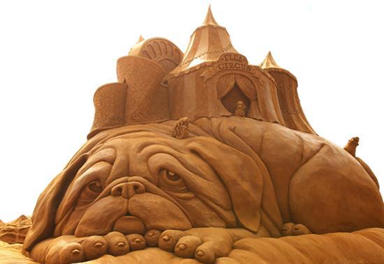 Amazinng sand sculptures 14