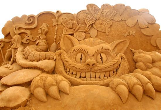 Amazinng sand sculptures 17