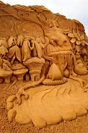 Amazinng sand sculptures 18