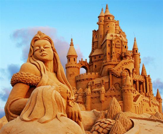 Amazinng sand sculptures 3