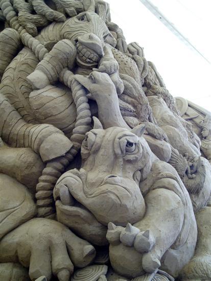 Amazinng sand sculptures 8