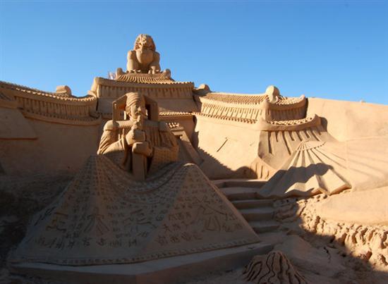 Amazinng sand sculptures 9