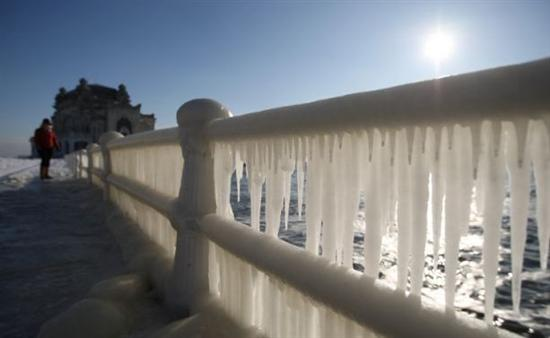 Coolest Pictures Of Frozen Waters 1