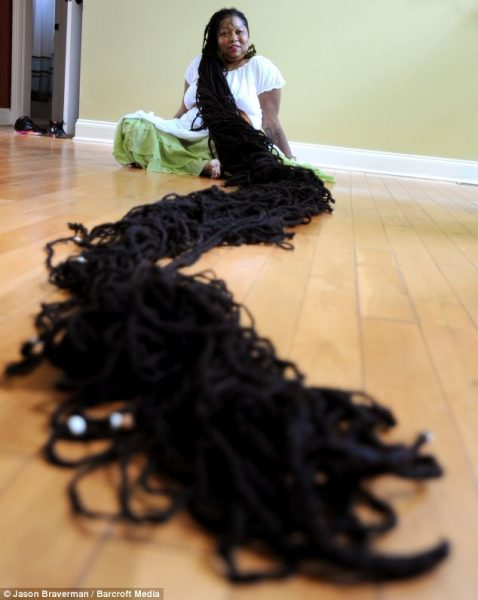 worlds longest female hair 478x600