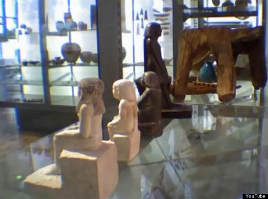 Egyptian Statue Moves 6