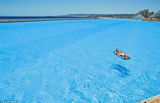 biggest swimming pool inthe world 2
