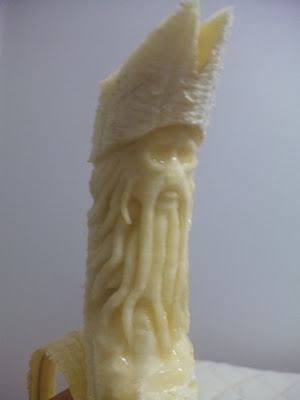 cool banana sculpture 4