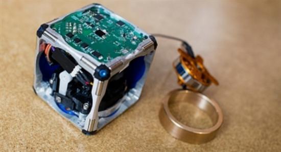 self-assembling-robot cubes 1