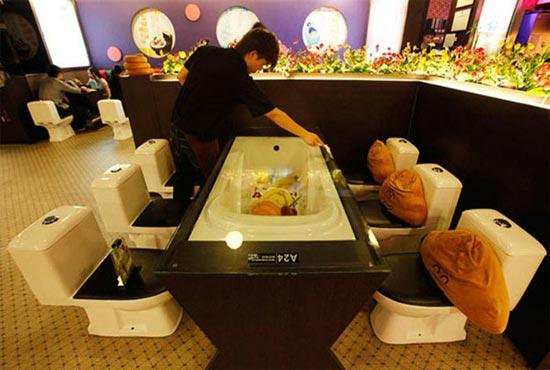 Modern Toilet Restaurant Taiwan1 Top 5 Weirdest Restaurants in the World as seen on CoolWeirdo.com