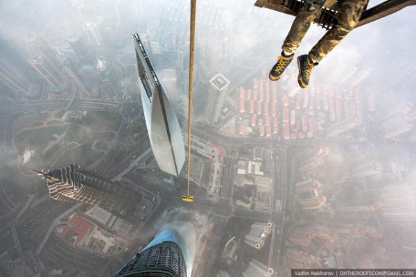 Russian-Daredevils-Shanghai-Tower-3