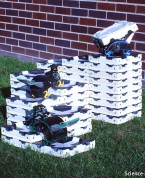termit-robots-building-castle