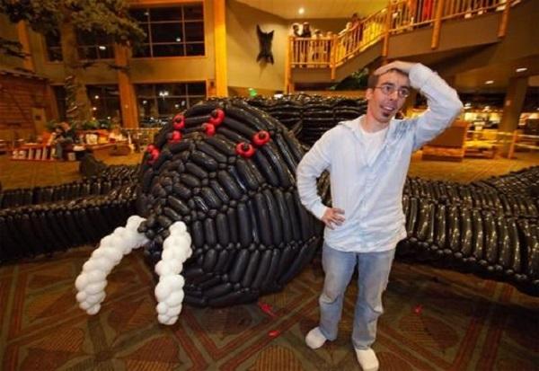 giant balloon spider adam lee