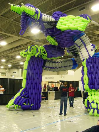 optimus prime balloon sculpture 06