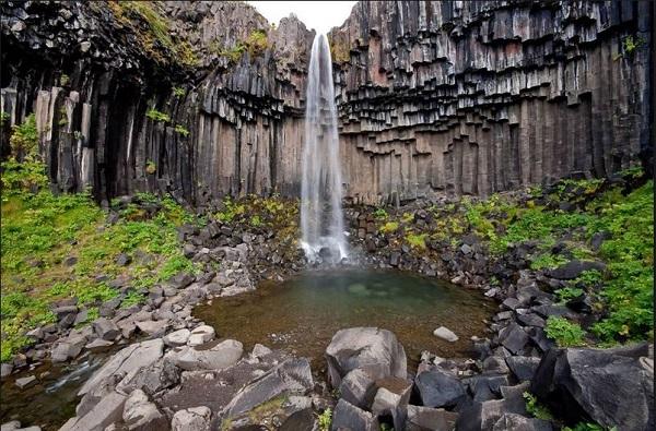 rocky-waterfall