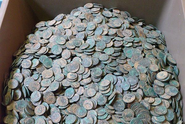 biggest roman coins treasure