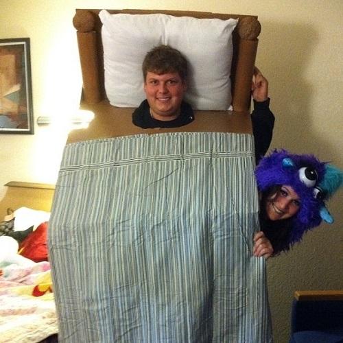monter under bed costume
