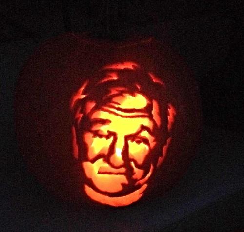 robin-william-pumpkin-carving
