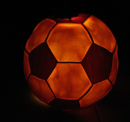 soccerball-pumpkin-carving