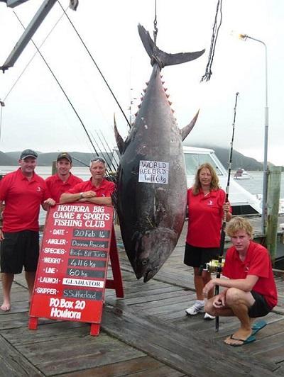 world record bluefin tuna group shot