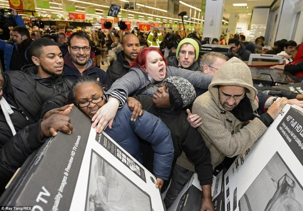people-fighting-over-tvs-during-black-friday