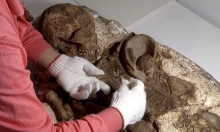 4500 years old female mummy in Peru