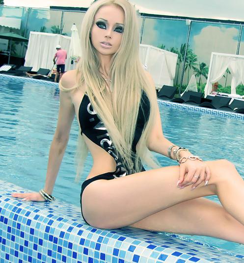 Valeria Lukyanova woman turned into barbie living doll