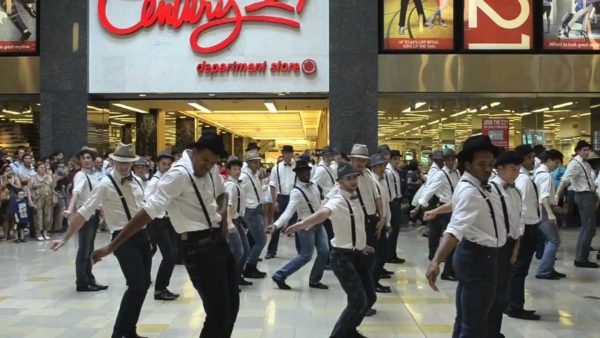 all boys flash mob michael jackson coreography 600x338