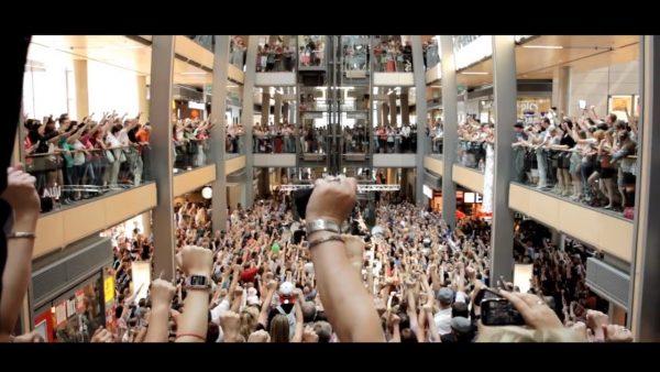 hamburg singing flashmob 600x338