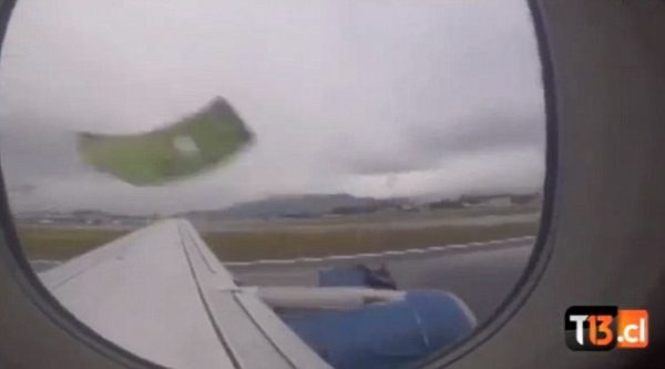 sky airlines engine falling 600x333