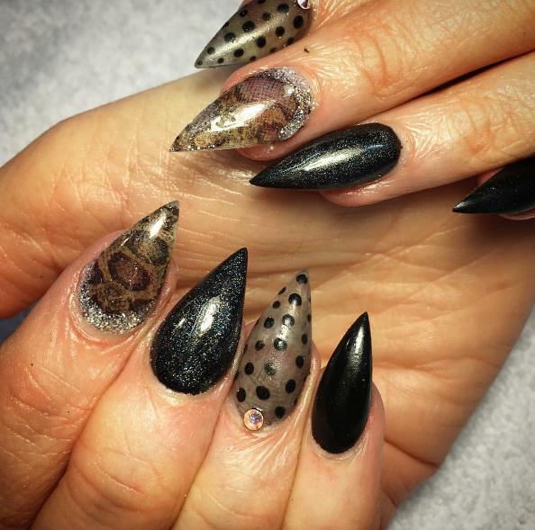 snakeskin nail art design