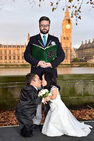 Shortest married couple London GWR 400x600