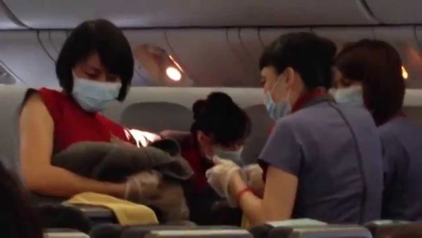 taiwanese born baby on a plane 600x338