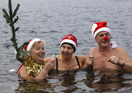 Berlin ice swimming club on Christmas session