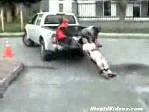 injured man falling from moving truck venezuela